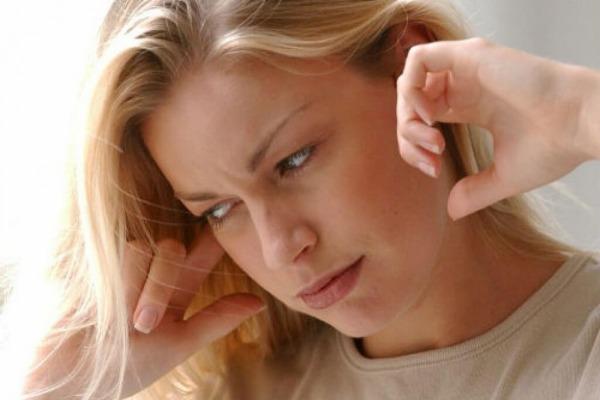 Что происходит с вашими ушами во время полёта. Давление воздуха